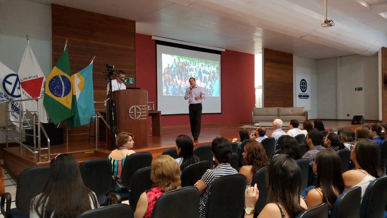 AFYA - O reitor do UNIPTAN Ricardo Viegas, em apresentação da Afya aos colaboradores da FASA, na Unidade JK em Montes Claros – MG
